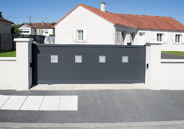 Installation de portail à Saint Hilaire de Riez par Espace Alu Olivier Merceron