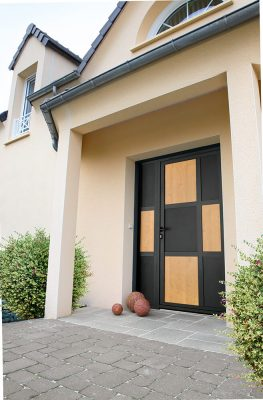 Porte d'entrée à Saint Gilles Croix de Vie par ESPACE ALU
